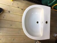 White pedestal bathroom sink with centre tap fixing (no taps included)