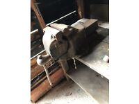 "Large old 7"" vice - heavy and industrial quality"