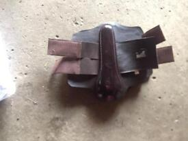 Brown masta brushing boots