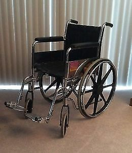 FAUTEUIL ROULANT EXTRA  LARGE ROBUSTE