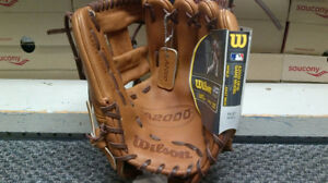 Brand New WILSON A2000 DP15GM Pedroia model 11.5""
