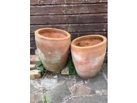 2 Large plant pots