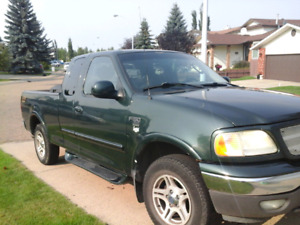 03 F-150 great condition inside outside runs and drives perfect