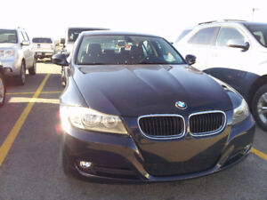 2010 BMW 3-Series 323i Sedan - Loaded, New MVI
