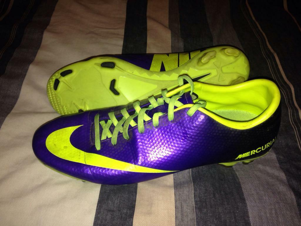 Size 10 Nike Mercurial Football Boots (V Good Conditionin Bedlington, NorthumberlandGumtree - Dont play Football anymore so selling boots cheap. Ring 07864645729 if you would like them, thanks