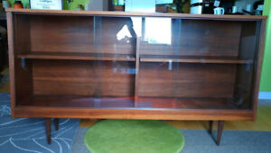 Mid Century,Vintage,Walnut Display Cabinet