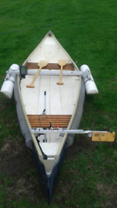 Canot avec flotteur