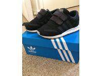 Children's kids black adidas LA trainers shoes