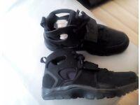 Nike Huarache GS. Size UK 5.5 All Black. Brand new and unworn.