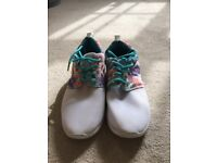 Floral white & blue trainers - size 5 fantastic condition!