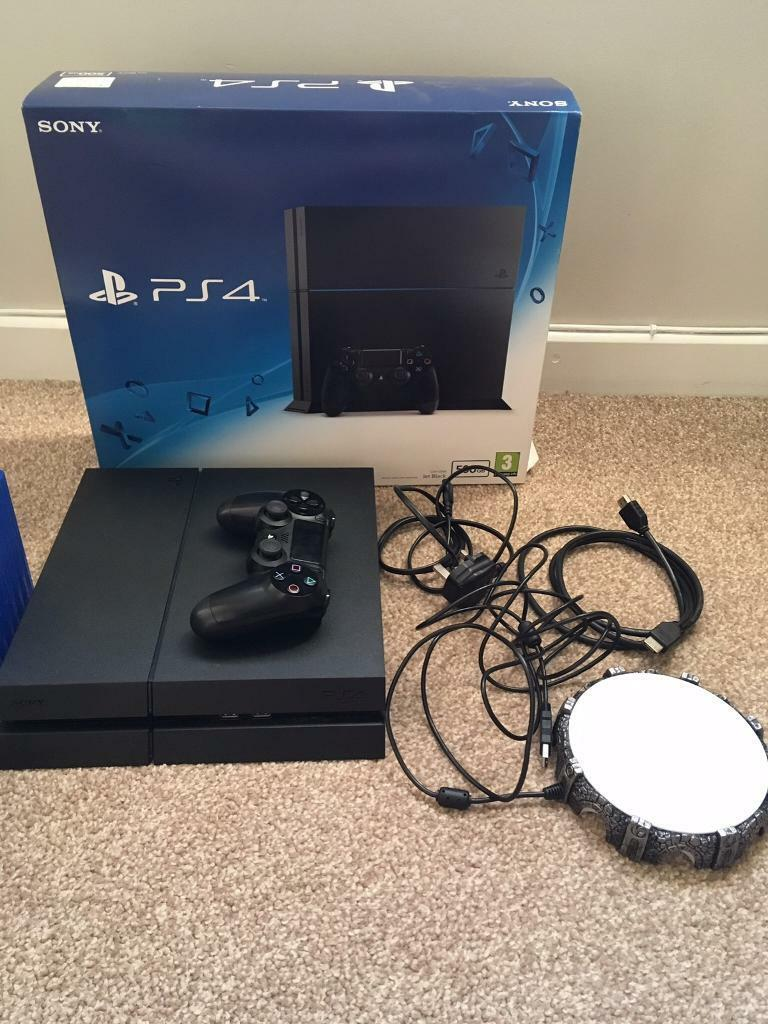 PS4 500 GB mint condition with 8 games