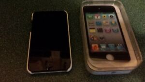 Great Condition IPod Touch - 4th Generation
