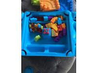 Building blocks table with storage