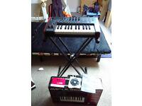 Novation Impulse 25 Midi Keyboard + Stand