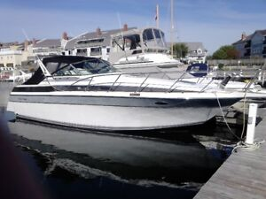 1987 Chris Craft 320 Amerosport Express Cruiser