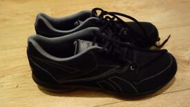 Reebok black woman trainers, small size 8