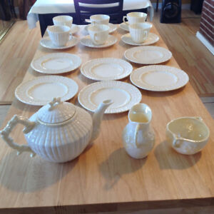 IRISH BELLEEK TEA SET