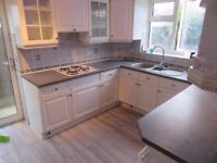 Fantastic 4 bed Holiday Home near Heathrow, Feltham and Hatton Cross Station