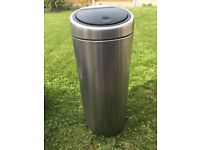 Brabantia 30 liter touch bin in chrome