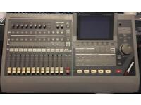 Roland VS1680 hard disk multitrack recorder with scsi cd drive and manuals