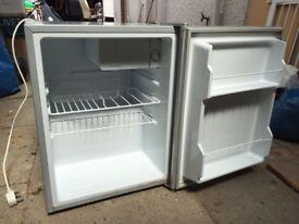 Fridge freezer for student