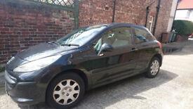 Peugeot 207 3-door £900