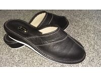 Ladies leather mules. Black size 8