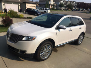 2013 Lincoln MKX Elite Package with Comprehensive Warranty!