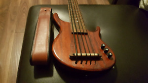 Kala ubass USA 5 string. California series.