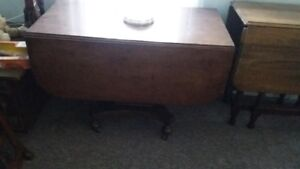 Duncan Phyfe Style Table