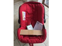 Mothercare infant car seat, travel system compatible never been used smoke pet free home
