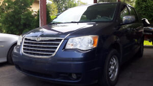 2008 Chrysler Town & Country Touring Equiper
