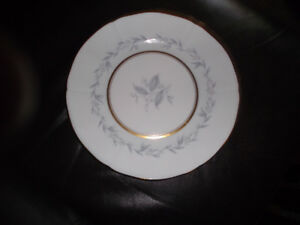 "Northumbria fine china ""Morning Mist"" - 8 piece setting"
