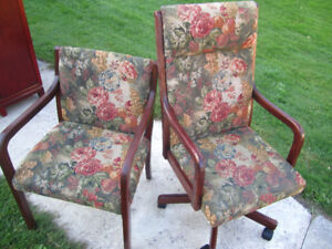 2 office chairs matching patterns