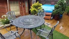 Metal round table and 4 chairs