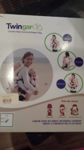 Twingaroo Double Baby Carrier -Khaki - located in Bancroft area