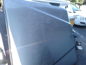 Selling: Hard Top, Shock Lift Tonneau Cover