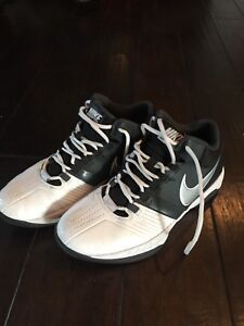 Girls Nike basketball court shoes size 8.5