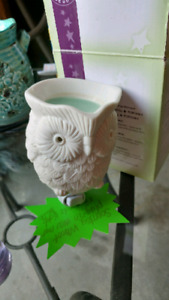 Whoot scentsy plug in