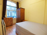 **INC GAS** Good sized & self contained 1 bed flat with private entrance seconds from Archway tube