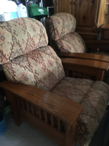 2 Lazyboy recliners