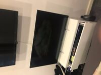 Perfect condition JVC 32 inch TV hd ready, Stand and wall mount included. 120 ONO.