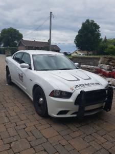 tres rare 2012 Dodge Charger Police pack avec hemy v8 cil