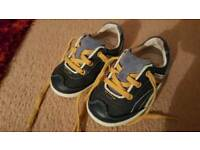 boys clarks shoes size 4 and half