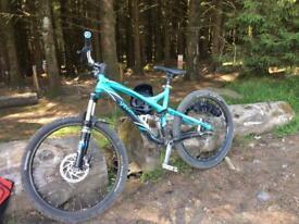 Specialized stunt jumper fsr mountain bike/ downhill bike
