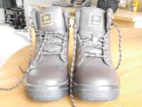 Mens Dunlop Steel Toe Capped Boots size 7 1/2