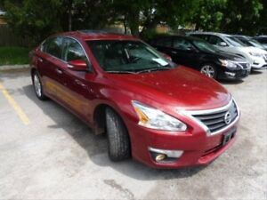 2014 Nissan Altima 3.5 SL SUNROOF! NAVIGATION! PUSH TO START!...