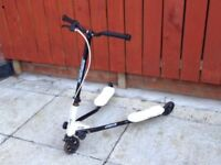 FLICKER SCOOTER FOR SALE 30 POUNDS GOOD WORKING CONDITION