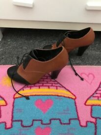 Girls/women's Black and Tan ankle boots, size 5, Debenhams