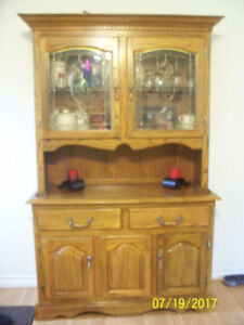 Solid Oak dining table & Hutch